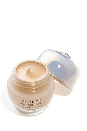 Future Solution LX Total Radiance Foundation
